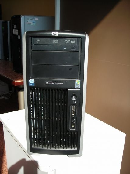 HP Workstation xw8400 двупроцесорна